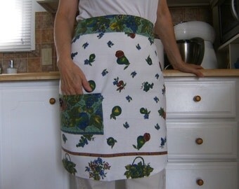 Linen Apron, Half Apron, Upcycled Women's Apron, Apron from Vintage Tablecloth