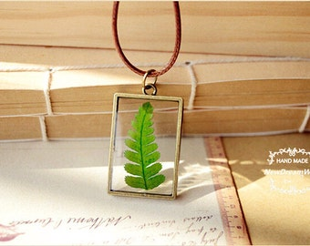 Herbarium Necklace Pendant,Real Christmas Fern(Polystichum acrostichoides) Botanical DIY Jewelry,Unique Green Gifts,Gifts for Naturalists