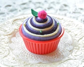 Felt Pin Cushion Cupcake, Cupcake Pincushion Blackberries and Cream