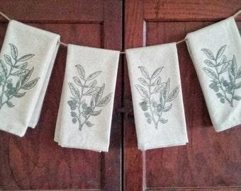 Set of 4 Huckleberry Fabric Dinner Napkins, Botanical Print Napkins, Screen Printed Dinner Napkins, Fabric Napkins, Reusable Dinner Napkins