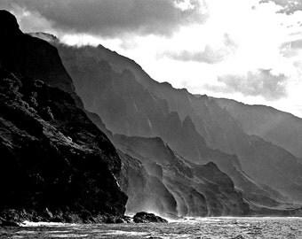 A Haunting Black N White Photo of the NAPALI Coast, KAUAI - Hawaii.  A Blank Fine Art  5X7 Framable Card. Copyright Protected.