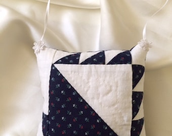 Blue May Basket quilt sachet