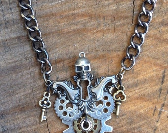 Skull necklace , Steampunk necklace , Mad max, pirate jewelry , men's jewelry