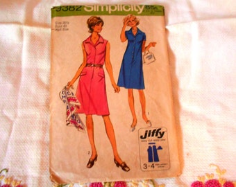 VINTAGE Dress pattern...1971.....FREE SHIPPING!
