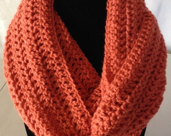 Crochet Infinity scarf in Pumpkin