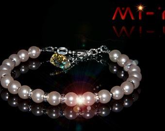 Swarovski Creamrose light Pearl Bracelet with Swarovski heart crystal AB