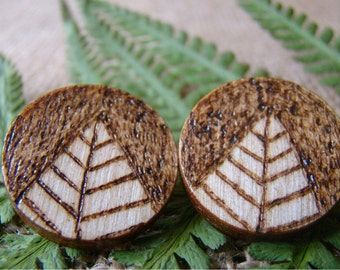 woodland earrings, woodland studs, wooden earrings, wooden stud earrings, natural earrings, pyrography earrings, ecologic earrings
