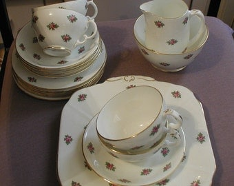 Vintage Melba China Dainty Pink Flowers 15 Piece Tea Set