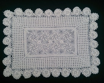 Vintage Crocheted Lace Rectangular Doily, Placemat, or Table Runner. Pinwheel Pattern. Ecru Colour RBT0374