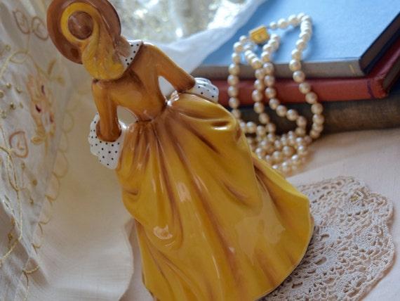 "Royal Doulton ""Sandra"" Lady figurine HN 2275, 1968, 8"", Vintage, English Porcelain, Christmas gift, anniversary gift, wedding gift"