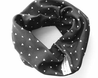 Organic cotton knit circle scarf, tiny triangles