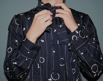 Vintage bow tie blouse / 70s geometrical pattern blouse