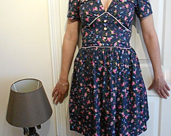 Floral Pretty Little Blue Dress Size 8