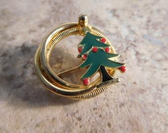 Vintage Christmas Pin Wreath Christmas Tree