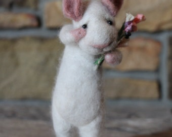 needle felted message mouse