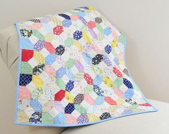 30's Mini Wall Hanging Table Square Quilt