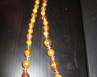 "Vintage 1950's Champagne colored Resin bead 18"" Necklace"