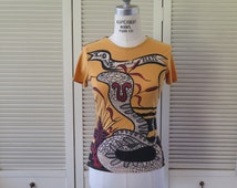 Vintage CUSTO BARCELONA Made in SPAIN 1990's Spanish Graphic Tee Shirt Knit Yellow