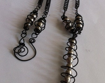 Black wire,metalic pearl beads necklace,Wire design