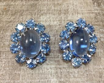 Gorgeous Signed Vintage Weiss Blue Rhinestones Flower Clip Earrings