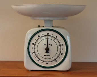 Vintage enamel white/green kitchen scale made by Krups, 1950s, 10kg, weighing scale