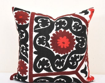 Black Embroidered Suzani Pillow-Suzani Pillow-Suzani cushion-Vintage uzbek suzani pillow cover