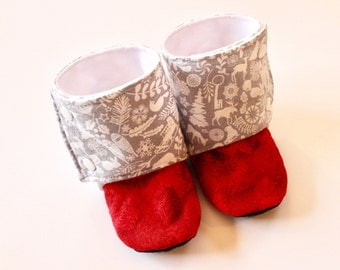 Christmas baby shoes, Christmas booties, Red baby shoes, warm baby boots, stay on baby boots, boots with buttons