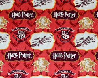 HARRY POTTER FABRIC / 1/2 Yard For Quilting / Golden Snitch - Broom / Hogswart - Griffindor Crest / Quidditch / Hard To Find