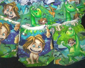 Good dino diaper. Dinosaur diaper, cloth diaper.