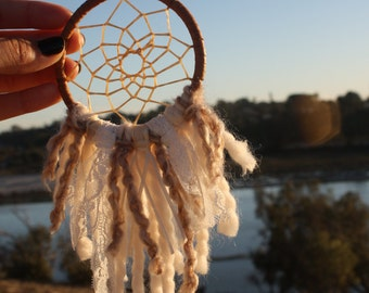 Beachy Lace Dream Catcher