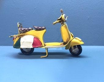 Vintage yellow Italian scooter vespa miniature,dollhouse miniature, decorative collectible, retro collection,vintage Italian style