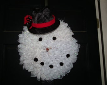 Snowman Wreath with a hat and carrot nose