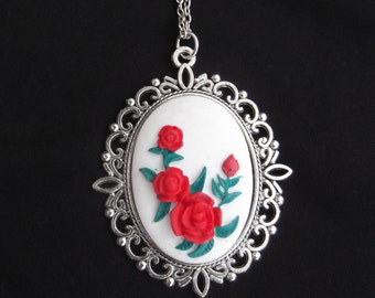 ring of roses necklaces