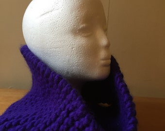 Purple knitted snood