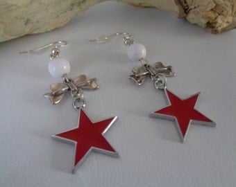 Earrings red star