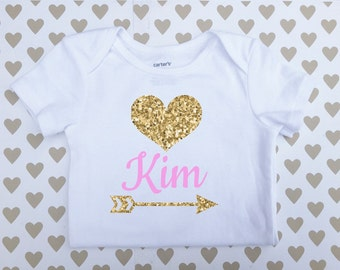Personalized Baby onesie, Baby Bodysuit, Gold Heart onesie, Name baby clothing,It's A girl onesie, Unique onesie