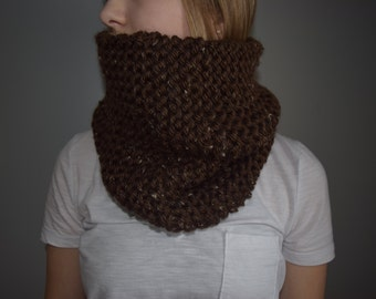 Hand Knitted Large Cowl / Chocolate