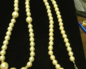 Vintage Marvello Necklace, Pearl Like with Goldtone