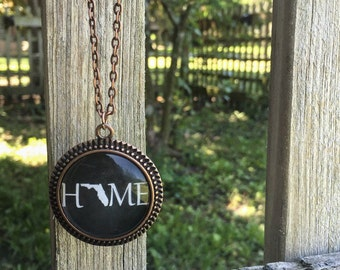 """Glass dome, copper and black Florida """"Home"""" Necklace with chain"""