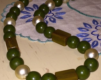 """Vintage Green Bakelite Beads Faux Pearls Necklace 23"""" Mid Century Tested"""