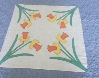 Jonquil motif Appliqued and Embroidered Quilt Block or Pillow Top
