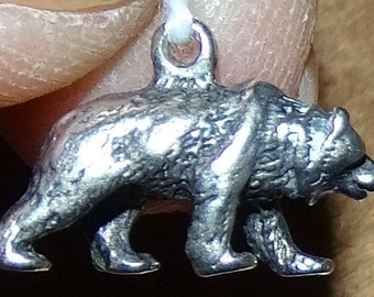 Sterling grizzly bear charm