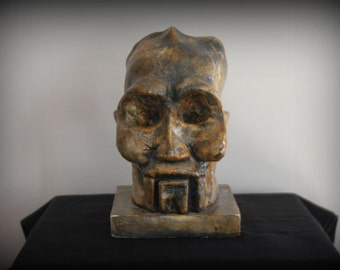 Clay Sculpture - Mysterious Head / Sculpture en terre - Tête Mysterious