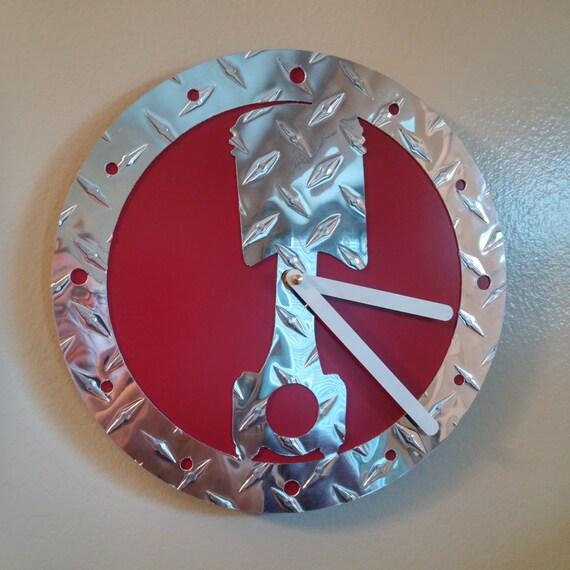 Diamond Design Wall Clock : Diamond plate piston wall clock