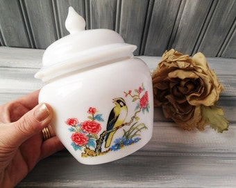 Vintage Avon White Glass Bird Candle with Lid / Avon Candle / Collectable Avon Candle / Bird Candle / White Glass Candle