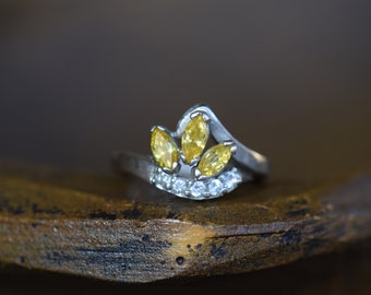 Yellow Marquise Cut and Clear Gemstone Vintage Silver 925 Ring, US Size 6.25, Used