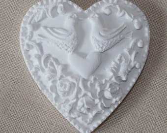 Heart decorations in plaster (bomboniere)