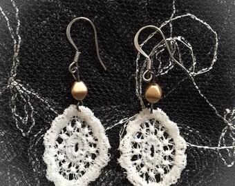 Lace Gold Bead Tiny Dangle Earrings