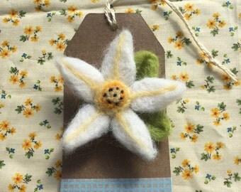 Needlefelt flower brooch