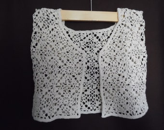 White Crochet Teenager girl/Womes Vest Sleeveless Top Sleeveless Sweater Size Small 100% cotton